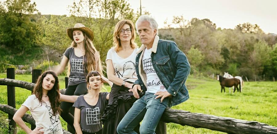 foto-grupo-diseño-delirius-design-camisetas-tshirts